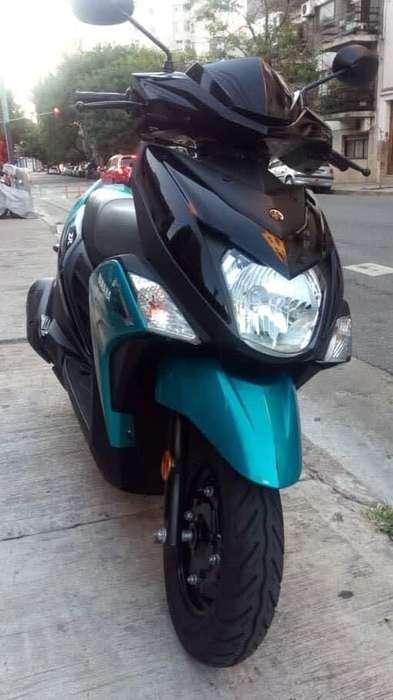 Moto <strong>yamaha</strong> rayz r15 150cc 2018 papeles al dia lista para transferir unico dueño 3000 km echos