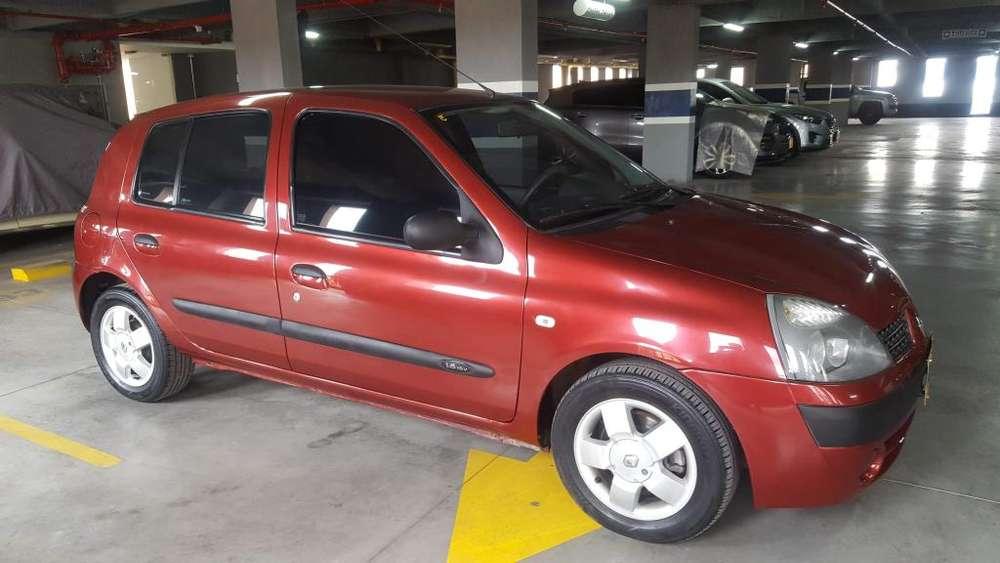 Renault Clio  2010 - 64000 km