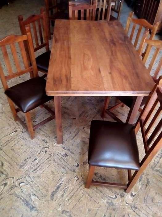 <strong>mesa</strong> de algarrobo y seis sillas tapizadas