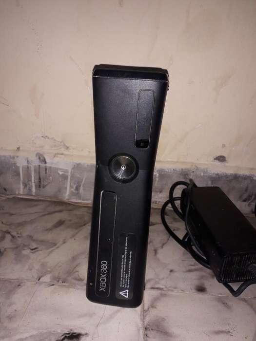 Xbox 360 con Kinet Buen Estado 2 Control