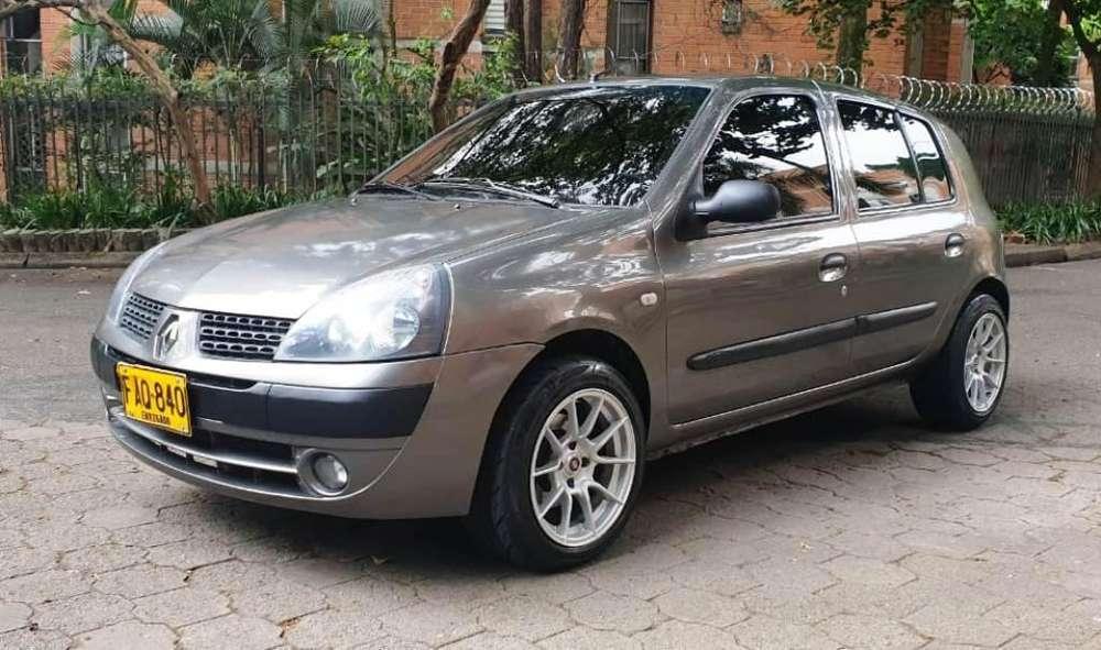 Renault Clio  2004 - 109000 km