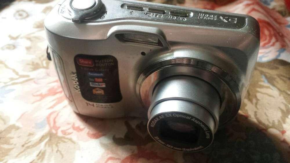 Camara Kodak C195 14mpx sin Detalles 4x