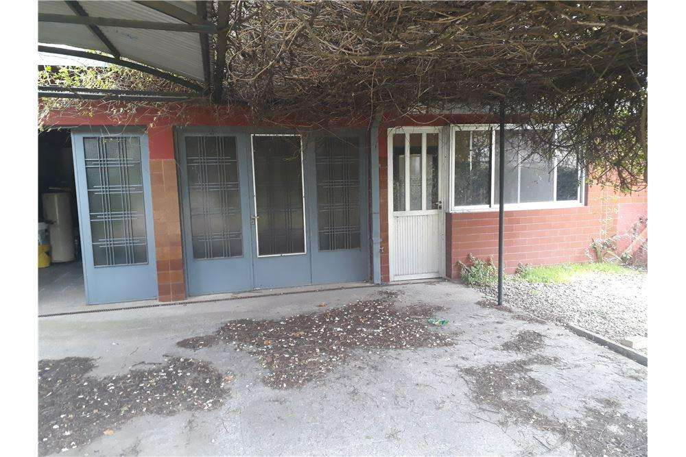 LOTE DON BOSCO 10X35 C/CONSTRUCCION AL FONDO