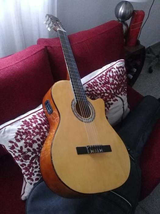 Guitarra Electro Criolla