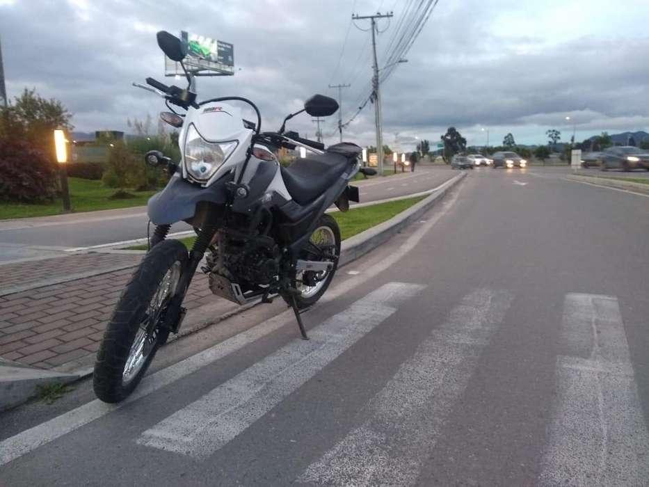 Vendo Moto AKT 180 TTR VENTA DIRECTA