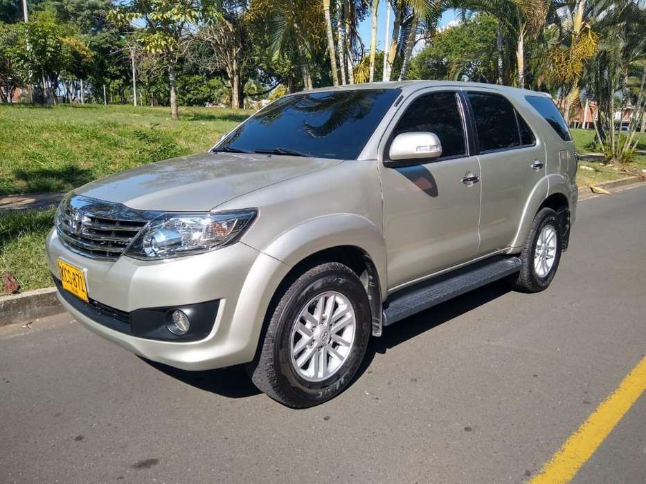<strong>toyota</strong> Fortuner 2012 - 64000 km