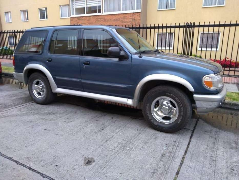 Ford Explorer 1997 - 246000 km