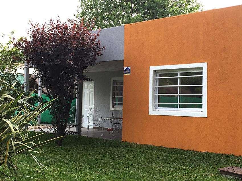Hermosa Casa Quinta en Ezeiza en Lote de 900mts2