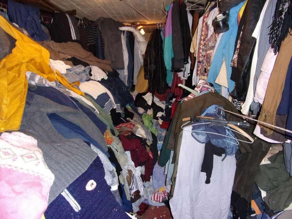 Bolsones de Ropa usada mucha ropa