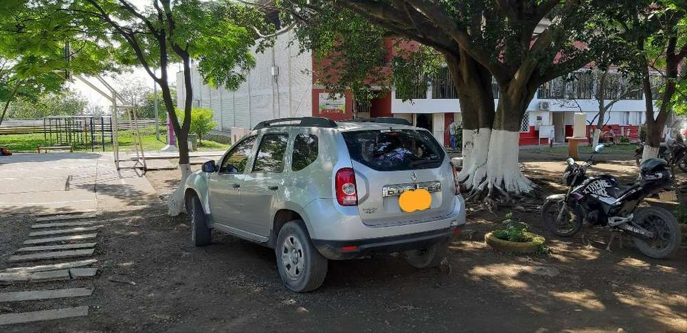 Renault Duster 2013 - 100000 km