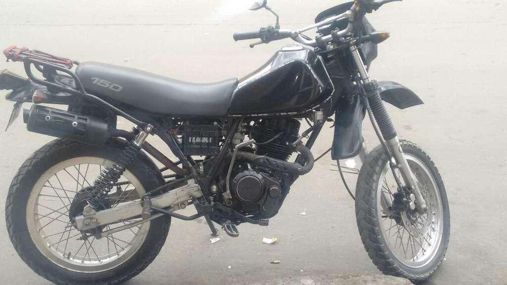 Motocicleta Akt Tt 150