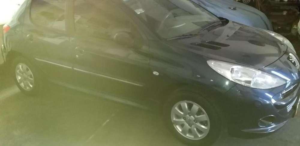 Peugeot 207 Compact 2012 - 81000 km