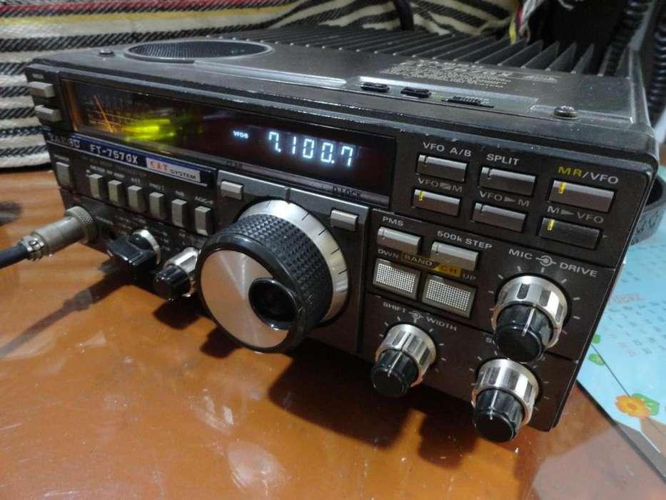 Radiotransmisor YAESU FT-757GX