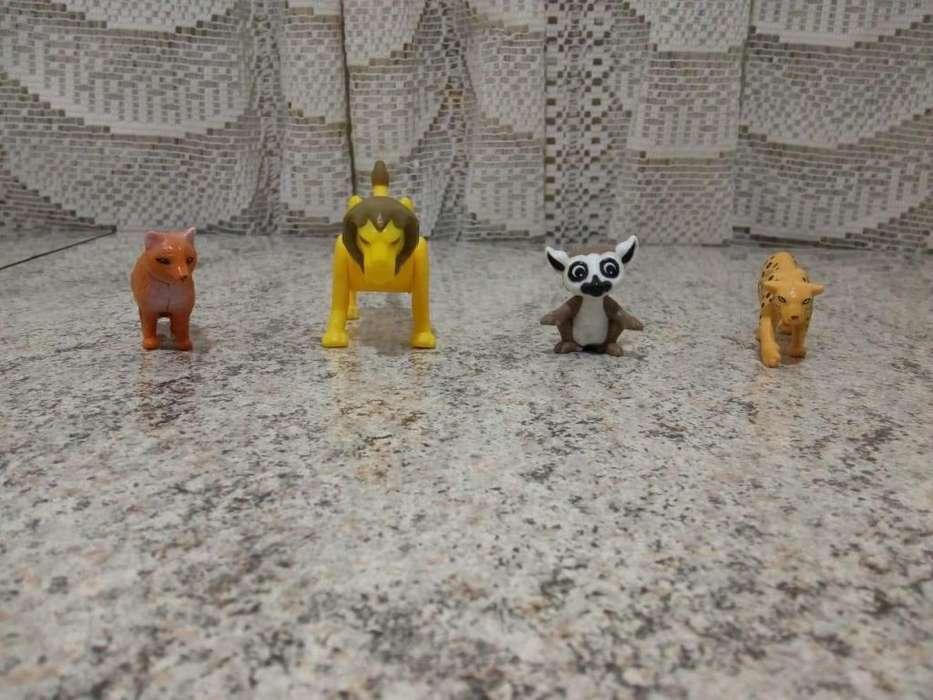 4 <strong>juguetes</strong> de KINDER Natoons o animales vendo o permuto