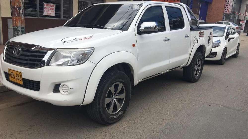 Toyota Hilux 2014 - 85600 km
