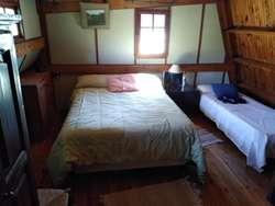 Casa en venta de dos dormitorios con garage y parque en Parque Sicardi, La Plata