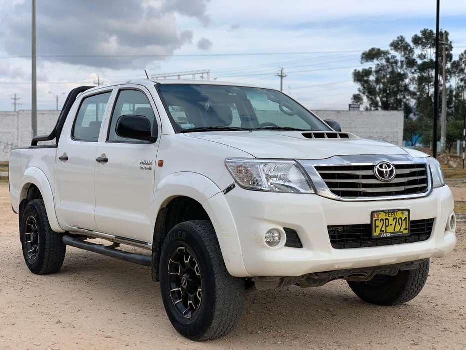 Toyota Hilux 2013 - 121850 km