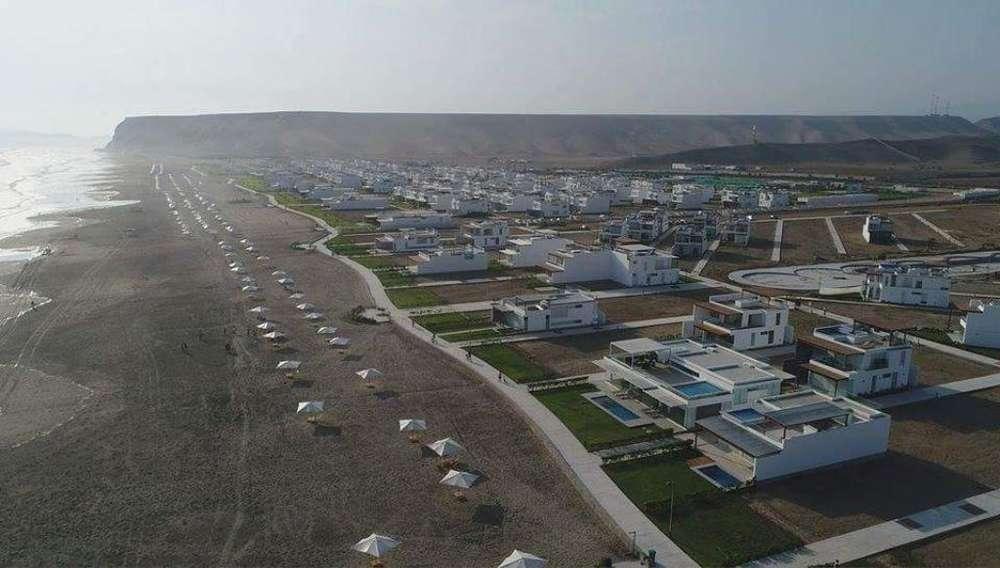 Venta Terreno de Playa en Asia.