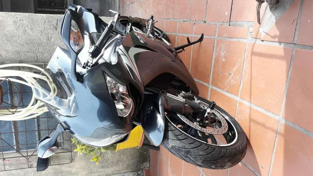 HONDA CBR 1000RR FIREBLADE AÑO 2009