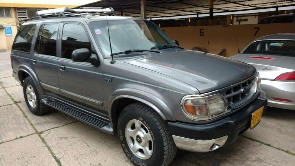 <strong>ford</strong> Explorer 2000 - 215000 km