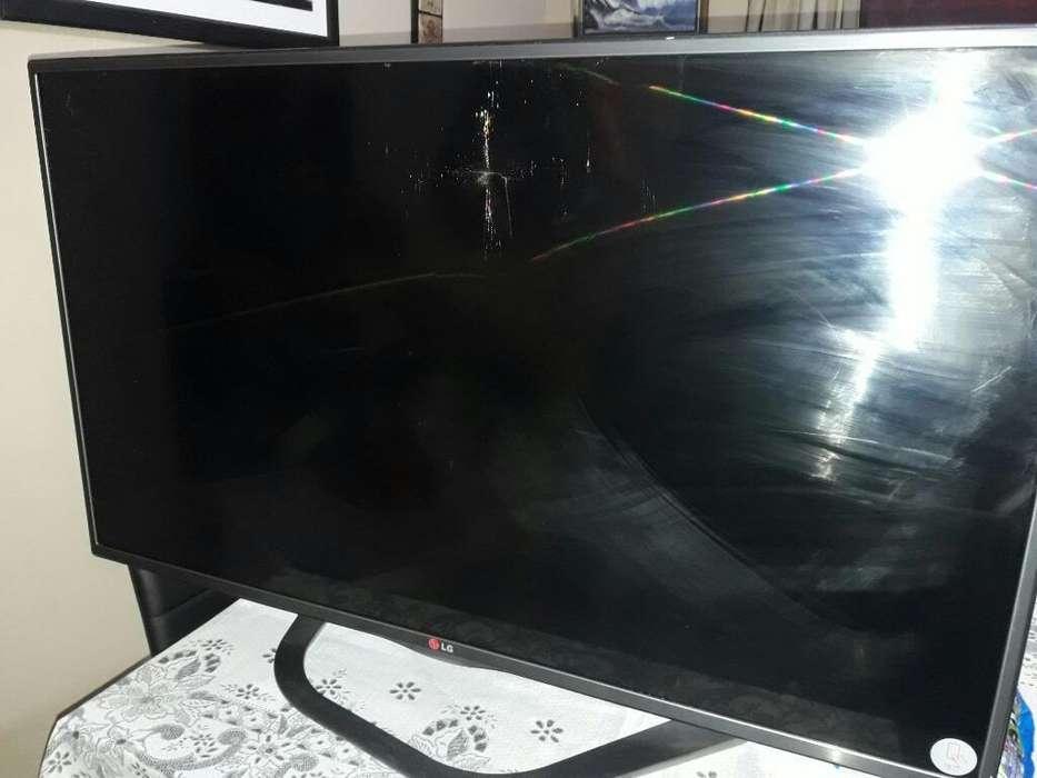 Vdo Led de 42' Pant Rota, Smart Tv, 3d
