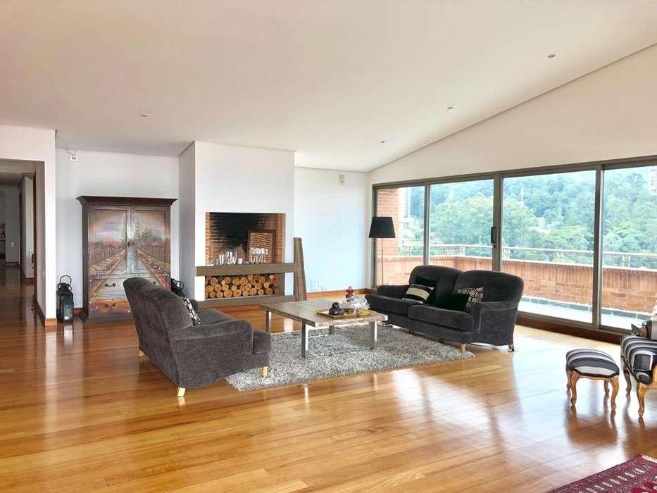 Alquiler Elegante Penthouse de 600 Mts2 con Vista a La <strong>ciudad</strong> en El Area Del Tesoro, Poblado