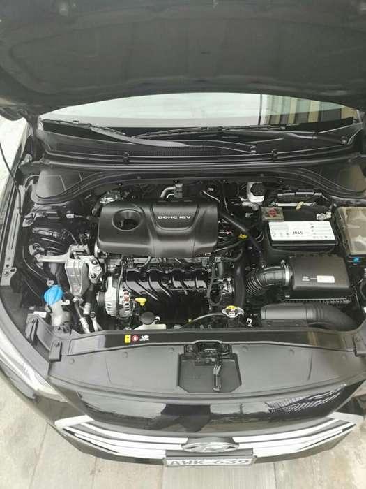 Hyundai Elantra 2017 - 70000 km