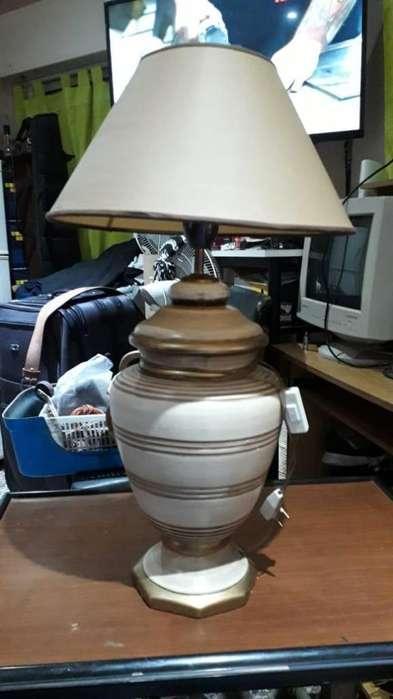 VENDO LAMPARAS 2 DE CERAMICA Y 1 DE BRONCE MACIZO
