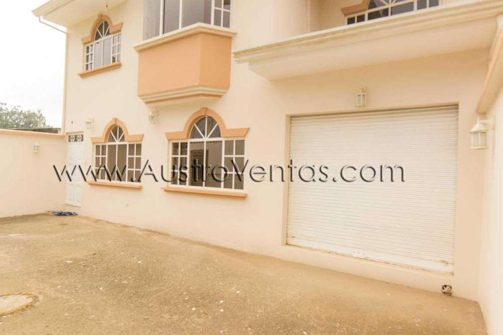 Vendo casa 2 departamentos en Cuenca