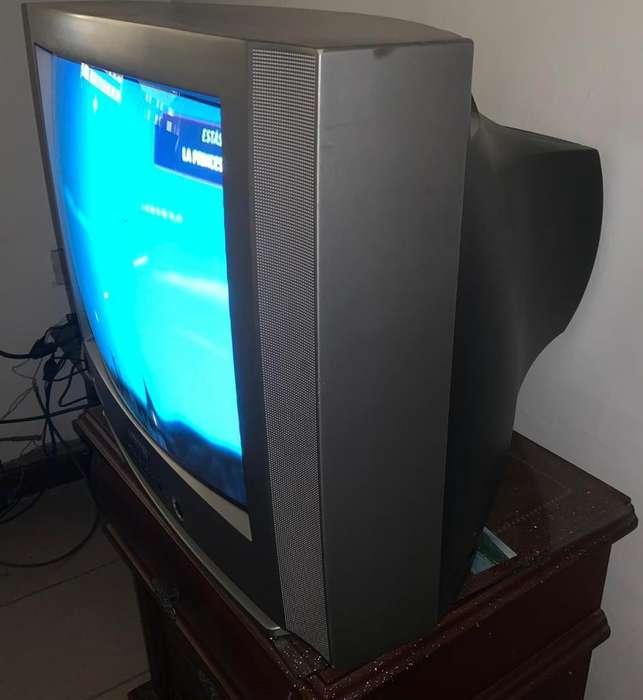 TV <strong>samsung</strong> 21 con control buen estado