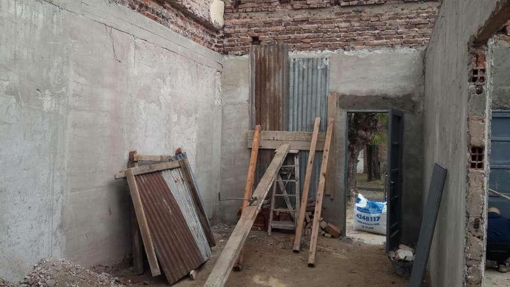 Vendo pinotea de piso 16 m2