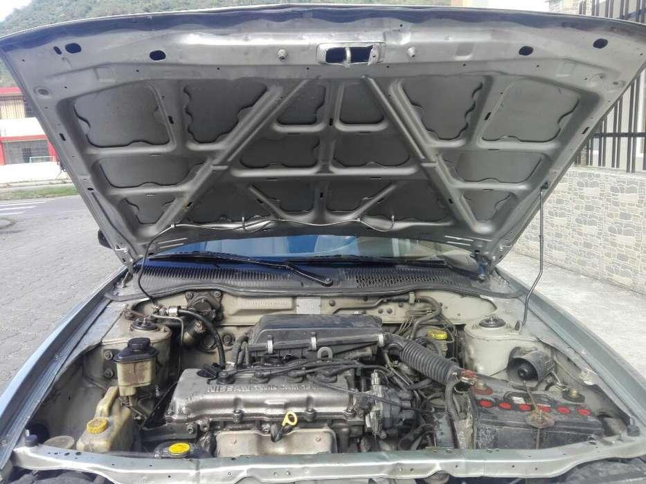 Nissan Sentra 2002 - 266000 km