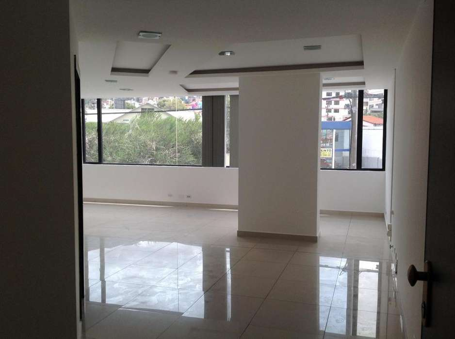 Renta consultorio 54m2 en edificio Kenzen Medical Center