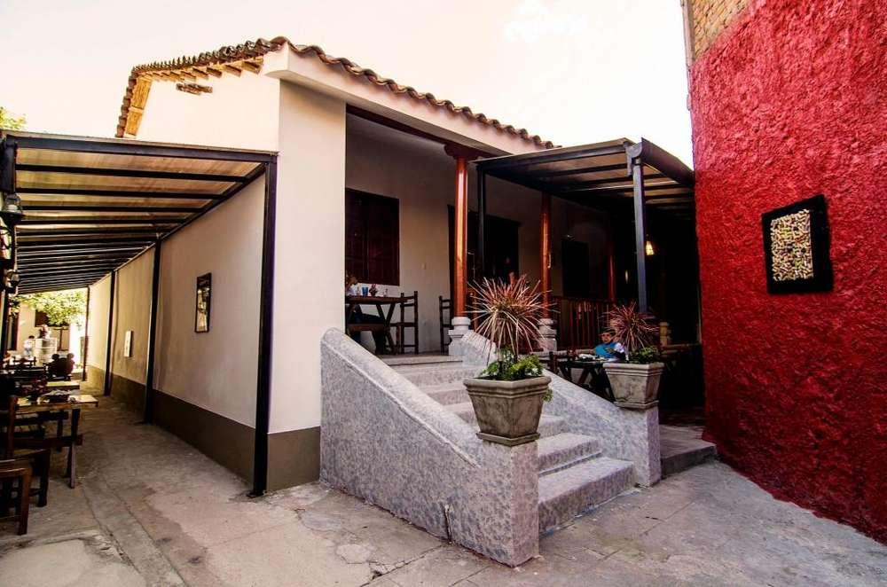 Restaurante Venta o Traspaso -- Casona Colonial a 1 1/2 cuadra de la plaza de armas