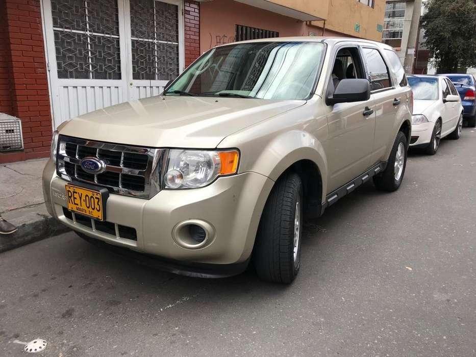 Ford Escape 2011 - 136000 km