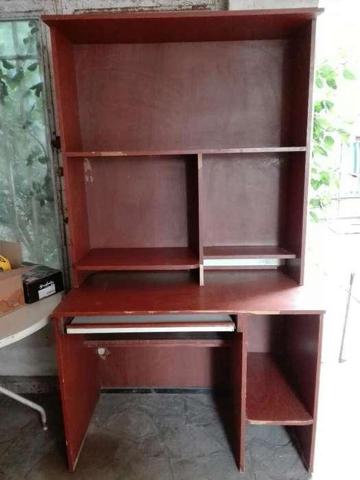 <strong>escritorio</strong> de Pc con Alzada