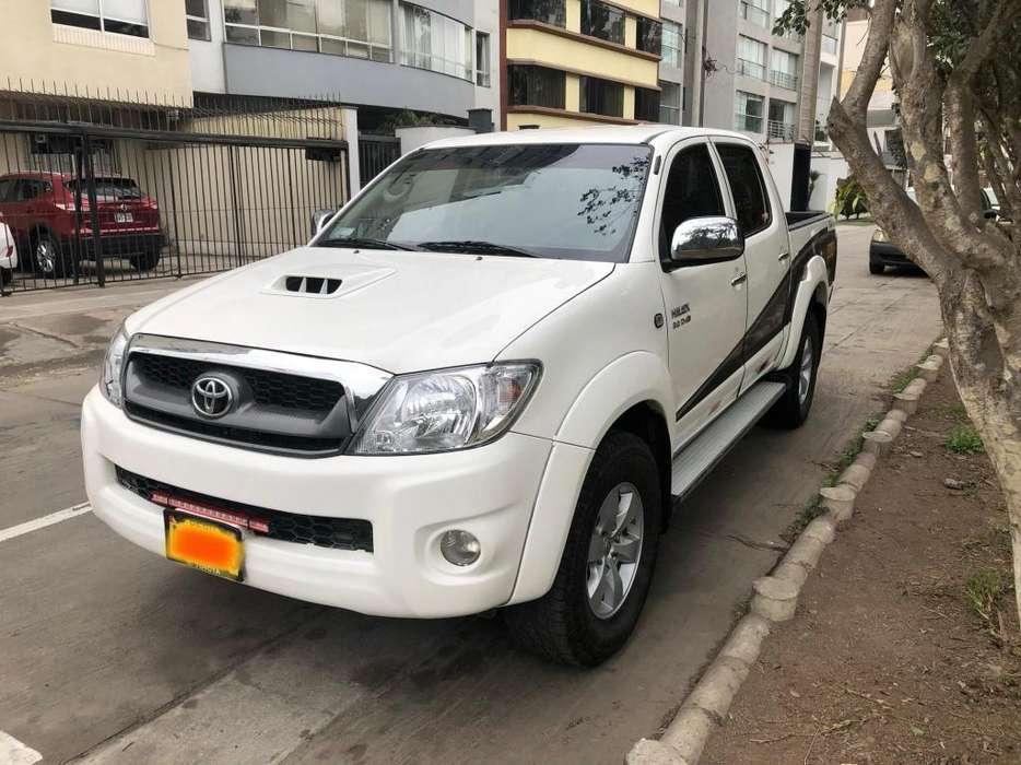 Toyota Hilux 2011 - 96800 km