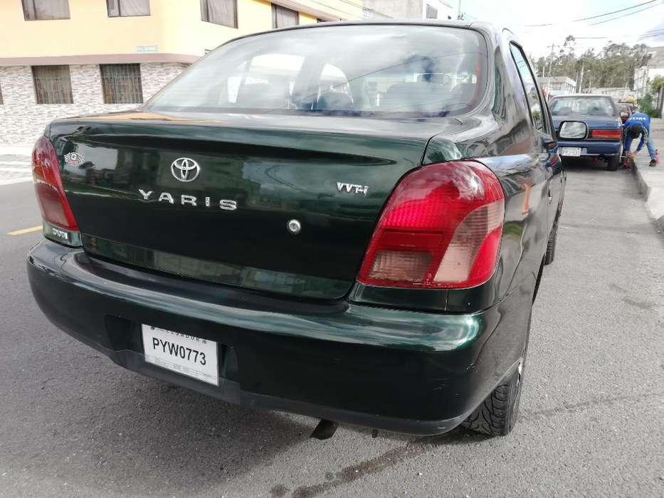 Toyota Yaris 2002 - 275000 km