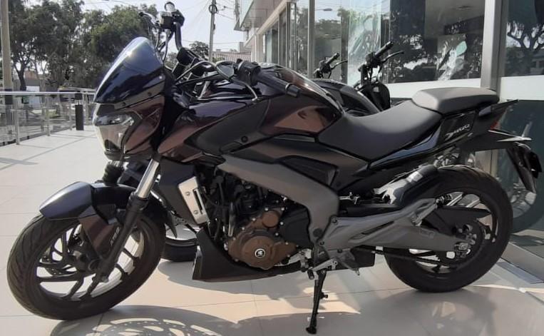 MOTO DOMINAR 400 BAJAJ
