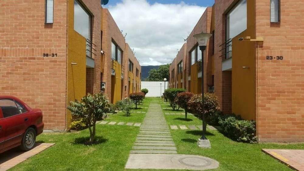 Alquiler# casa# grande conjunto valdivia dos chia