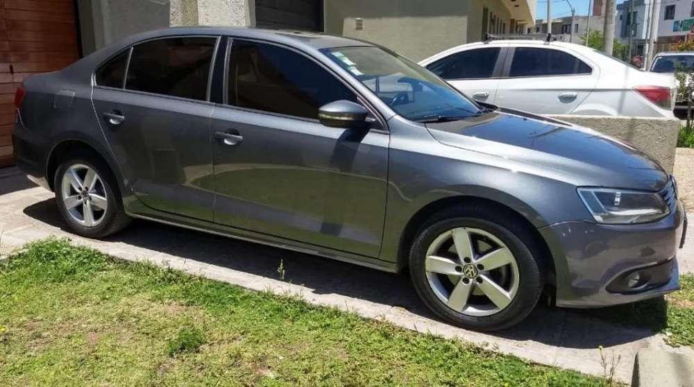 Volkswagen Vento 2013 - 60000 km