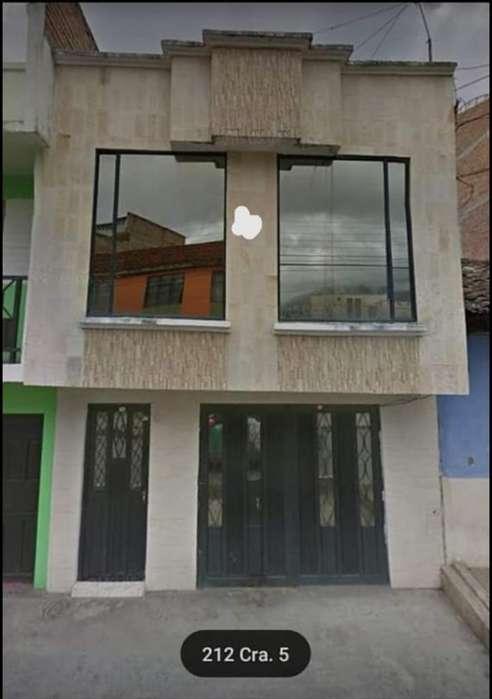 Vendo Casa Amplia Barrio Bernal