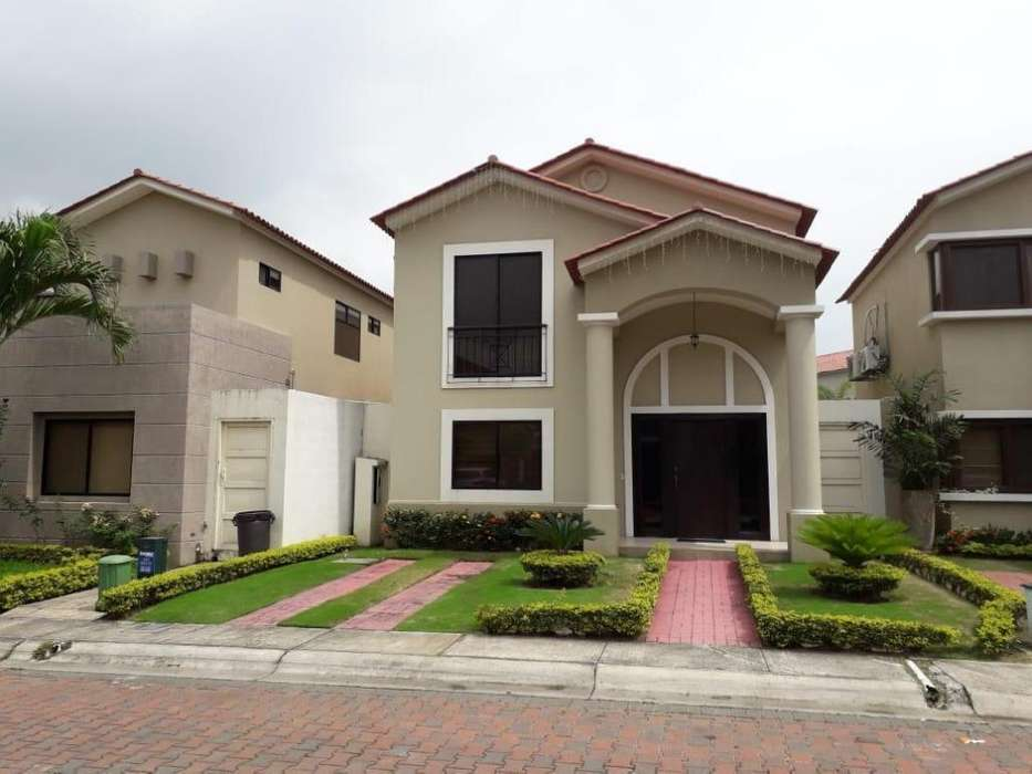 Venta de Casa en la Urb. <strong>ciudad</strong> Celeste, cerca del C.C Plaza Lagos, Samborondon