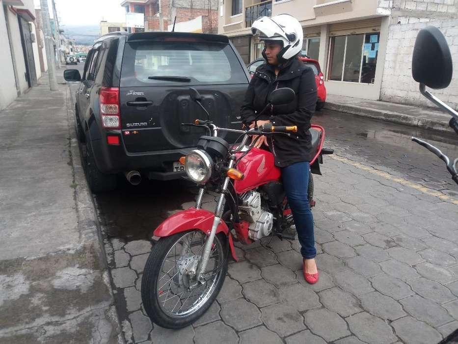 Moto Honda Cb1 Año 2012