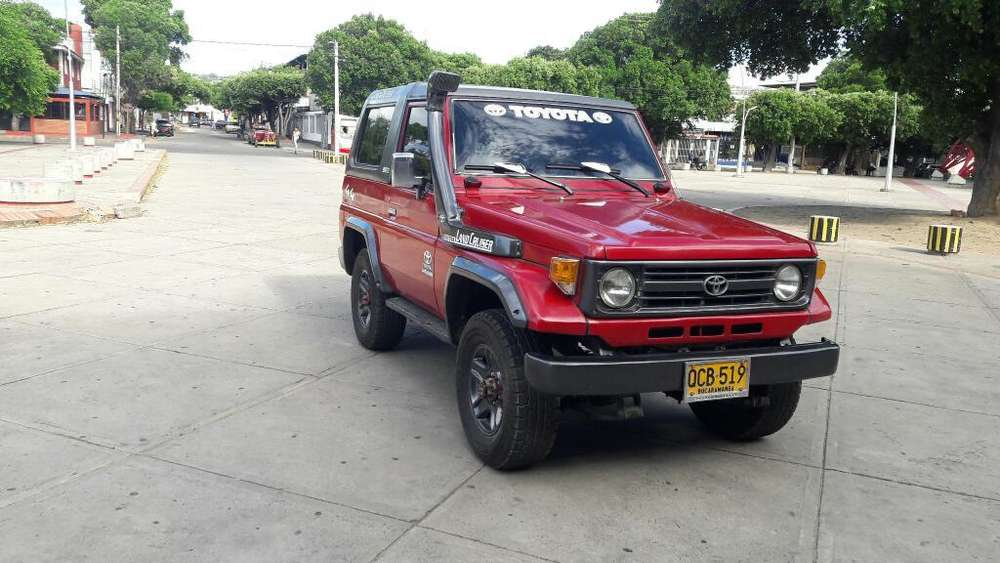 Toyota Land Cruiser 1985 - 190000000 km
