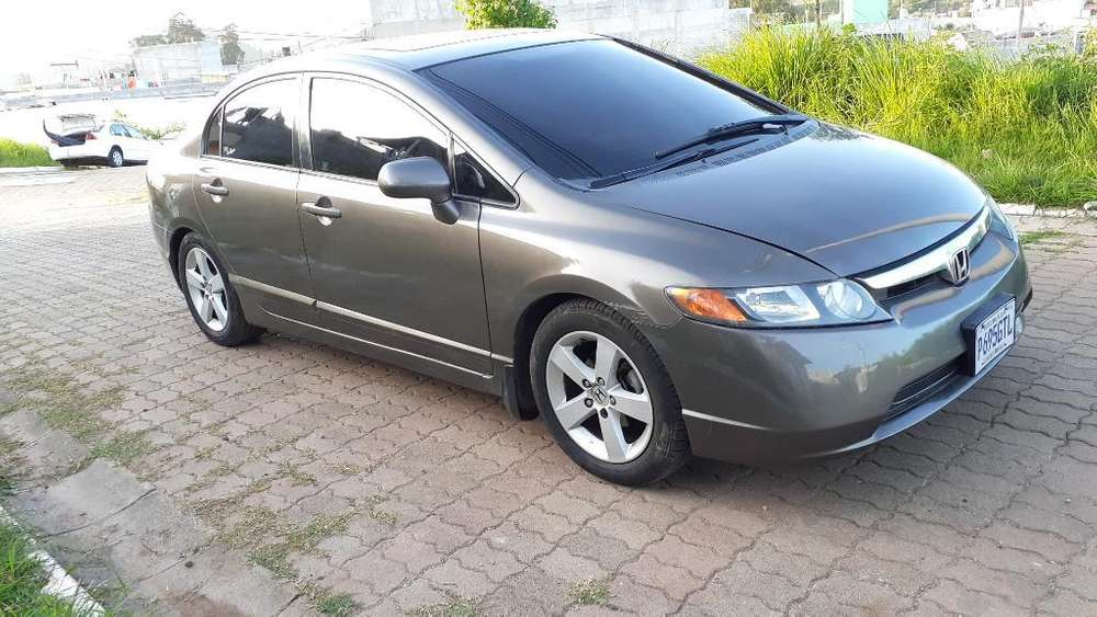 Honda Civic 2007 - 93000 km