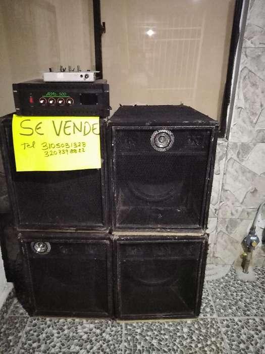 4 Parlantes de 12x300 Y Amplificador