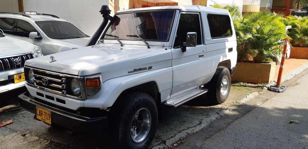 Toyota Land Cruiser 1998 - 215000 km