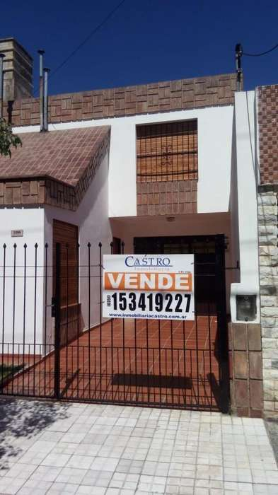 Vendo hermosa casa 3 dorm en Barrio Colon