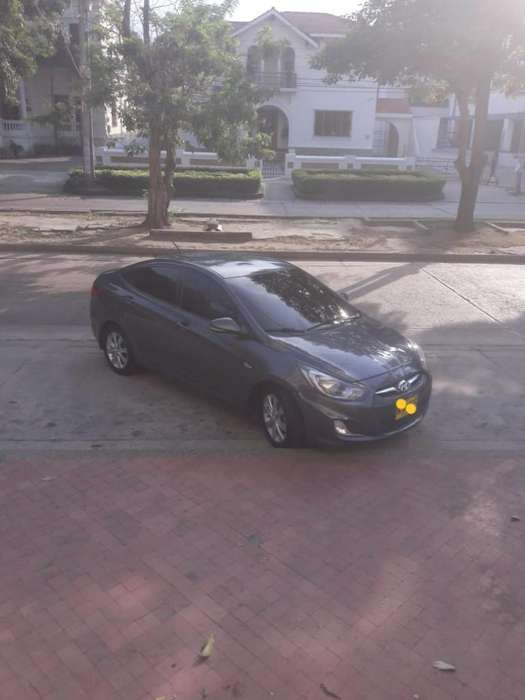 Hyundai i25 2013 - 93000 km